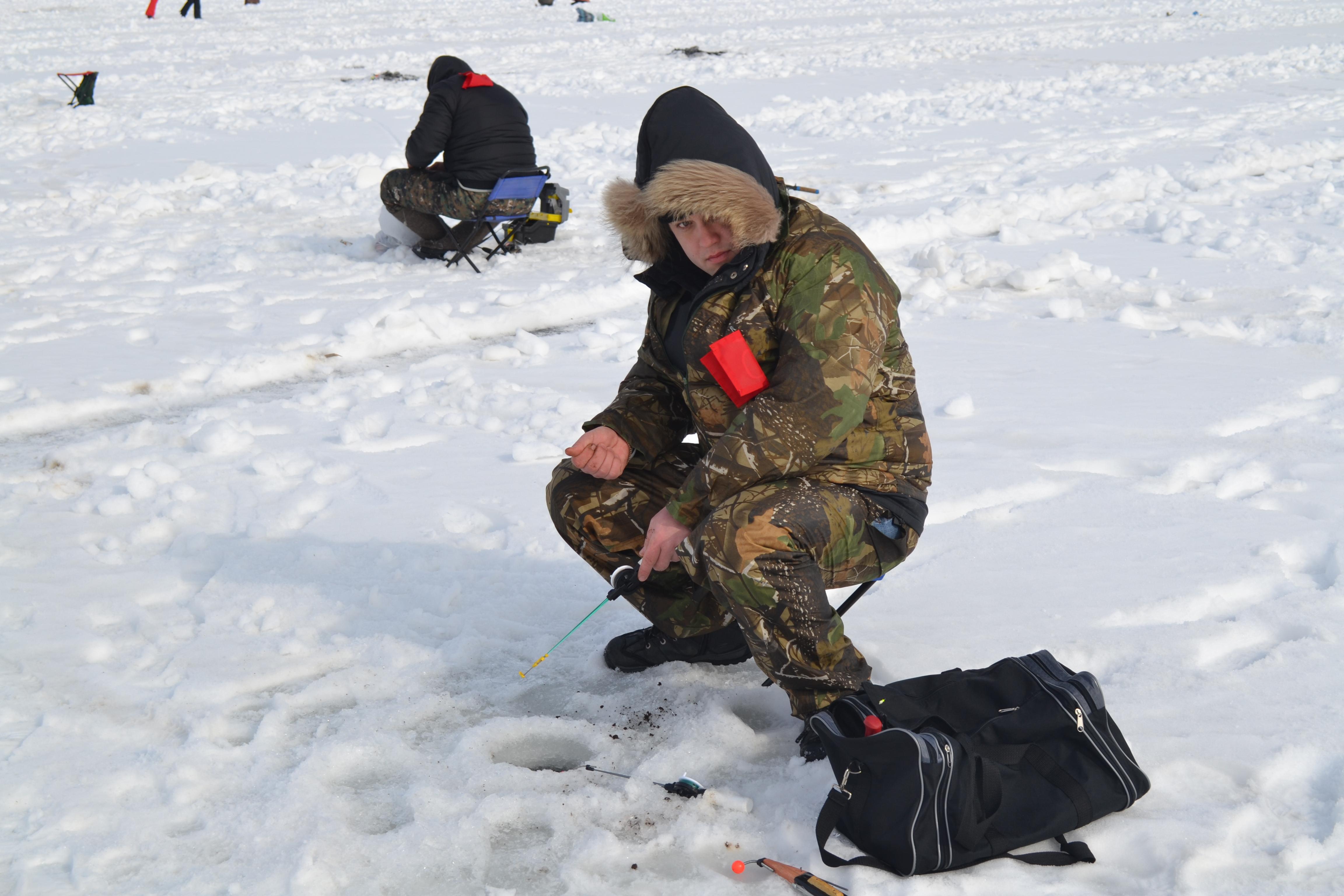 Соревнование по подледной рыбалке